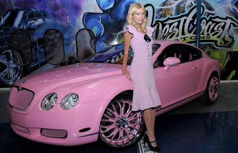 voiture rose, Paris hilton