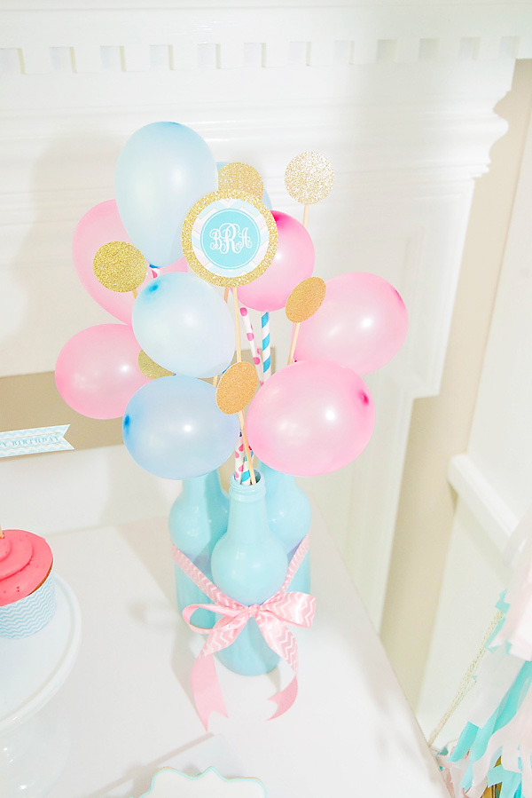 11-diy-balloon-party-centerpiece